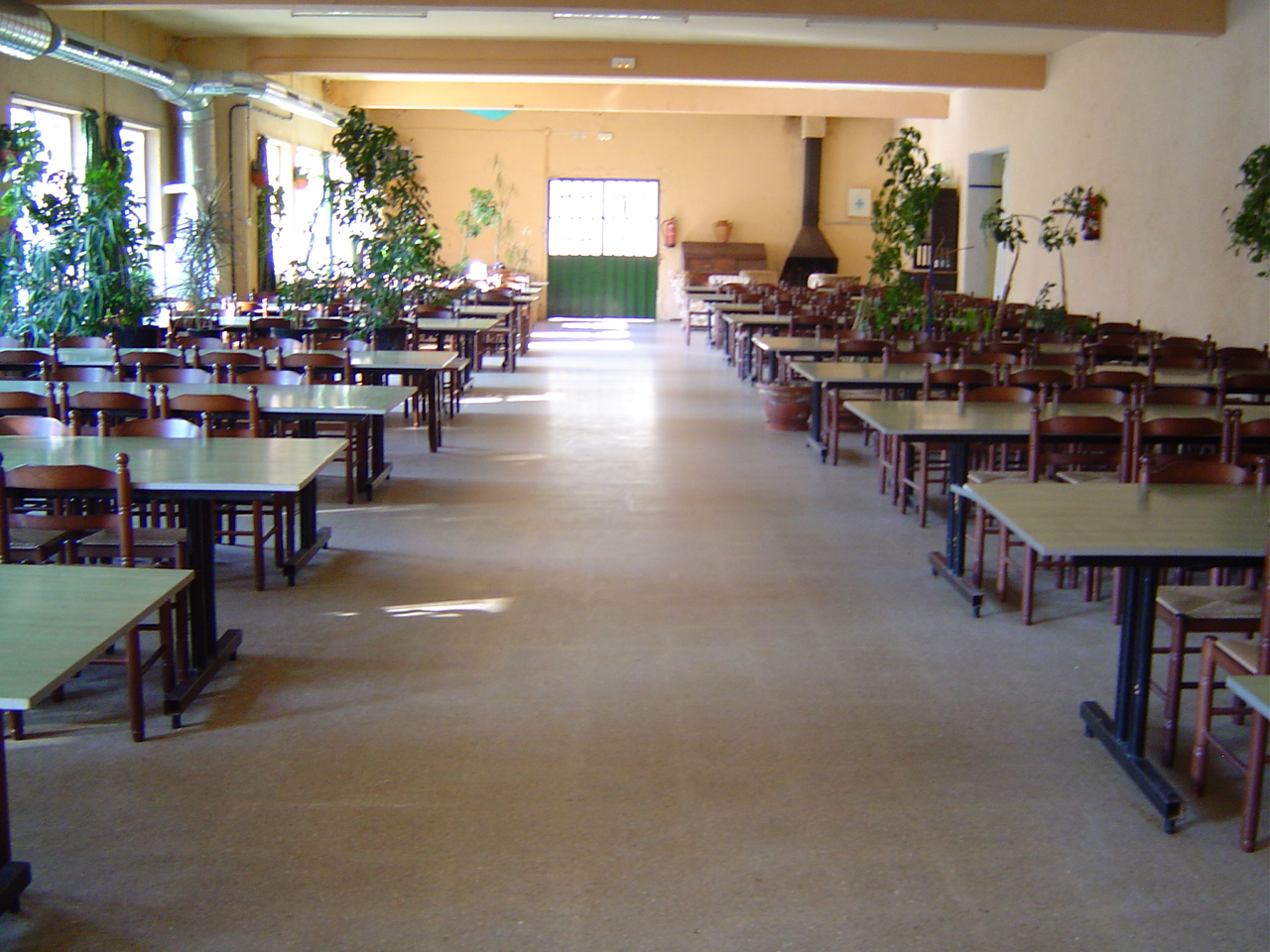Casa de colonies el pinatar menjador bruixola br ixola activitats de lleure i col nies a catalunya - Casa de colonies els clapers ...
