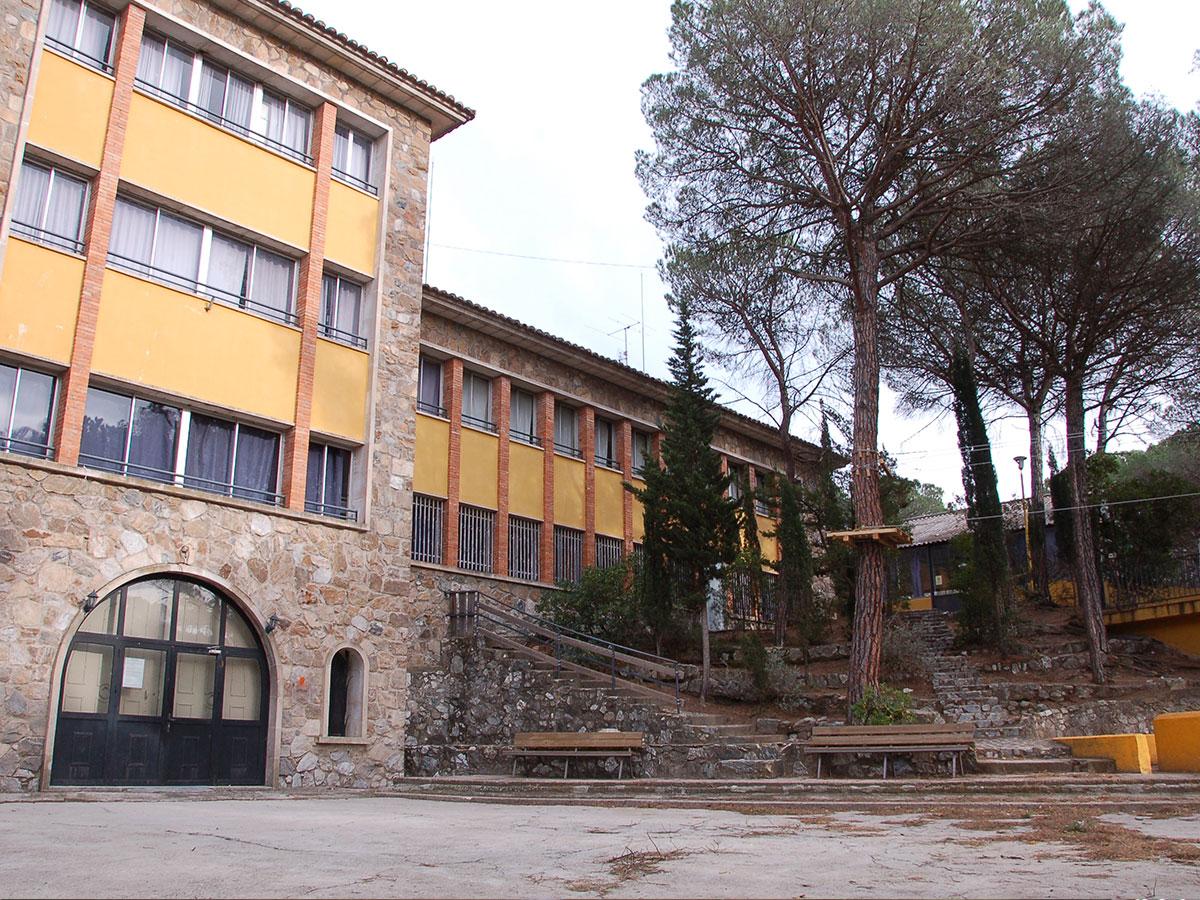 El pinatar casa de colonies entrada bruixola br ixola activitats de lleure i col nies a catalunya - Casa de colonies els clapers ...