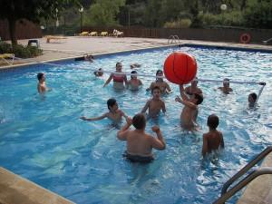 Casa de colonies Eurostage piscina Bruixola