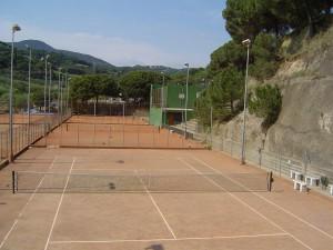 Casa de colonies Eurostage pistes de tennis Bruixola