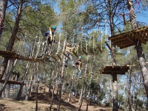 Casa-de-colonies-Castellnou-bosc-vertical-aventura-Bruixola