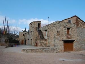 Casa-de-colonies-Castellnou-edificis-Bruixola