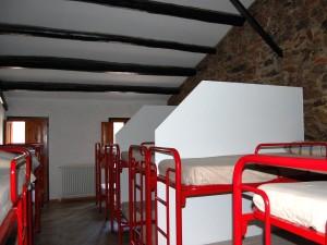 Casa-de-colonies-Castellnou-habitacions-Bruixola